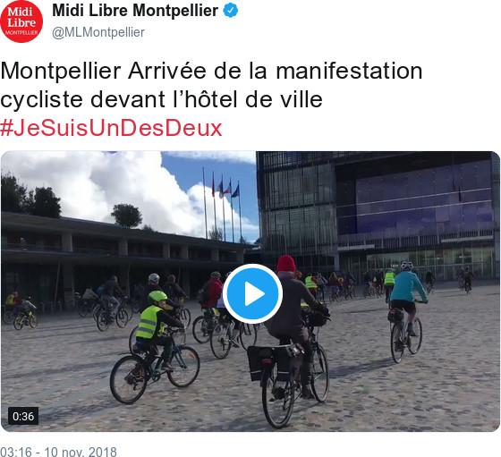 Midi Libre Montpellier - @MLMontpellier - Montpellier Arrivée de la manifestation cycliste devant l'hôtel de ville #JeSuisUnDesDeux